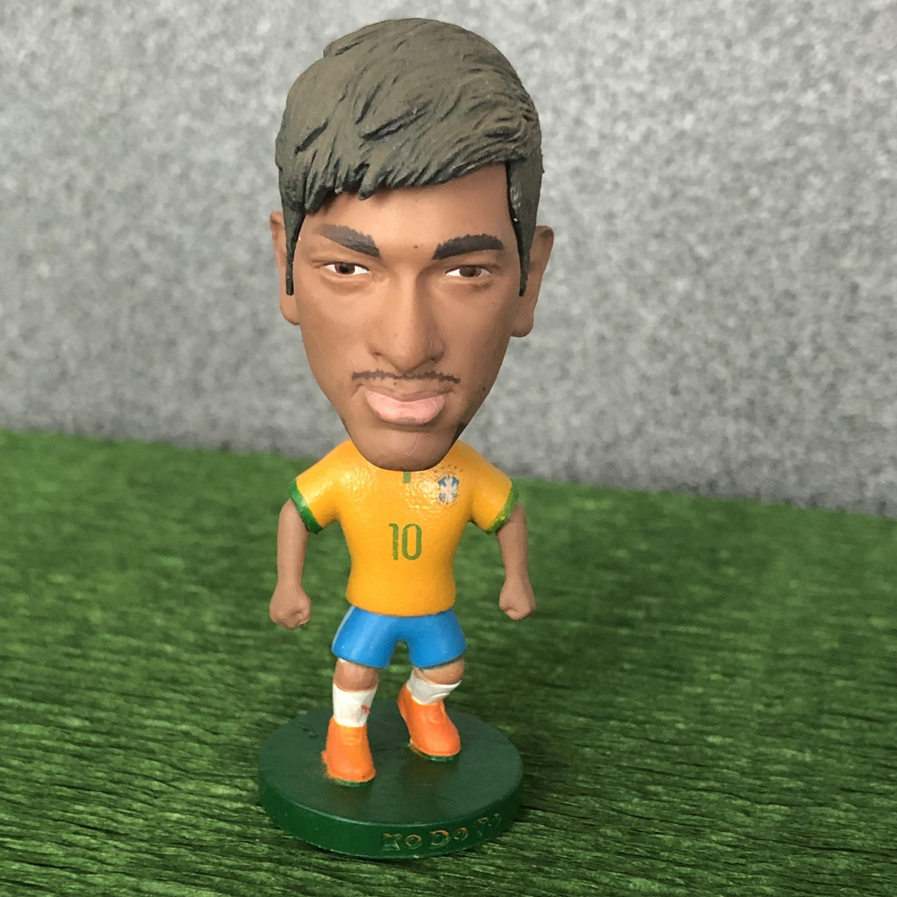 Фигурка звезды мирового футбола неймар