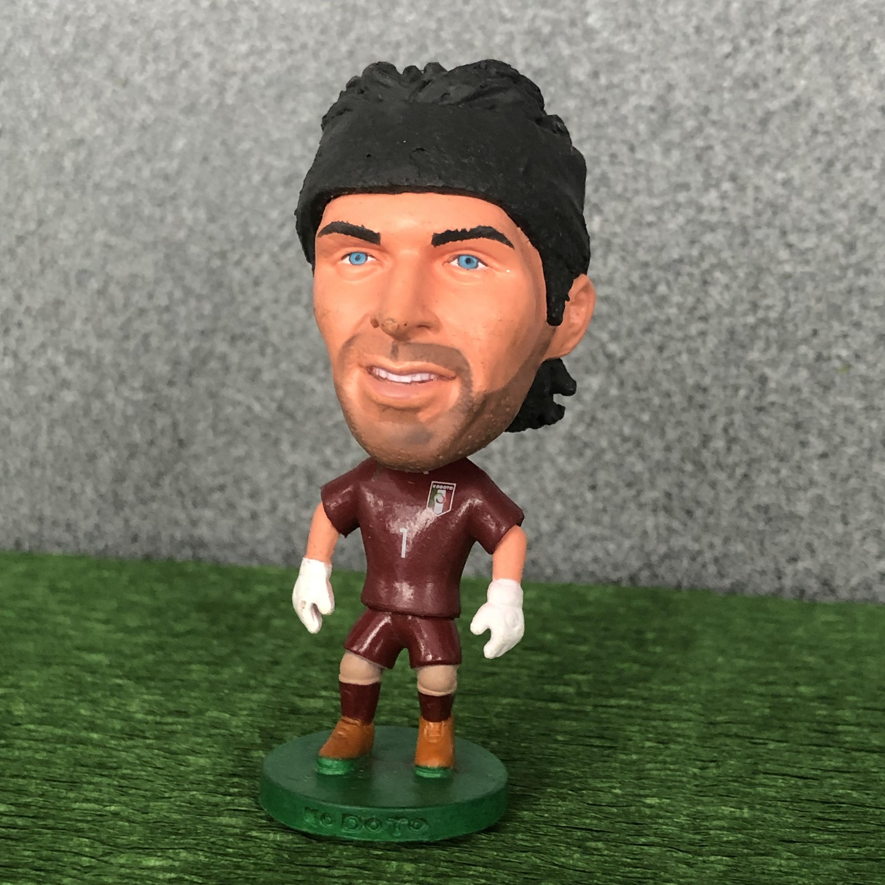 Фигурка звезды мирового футбола джанлуиджи буффон